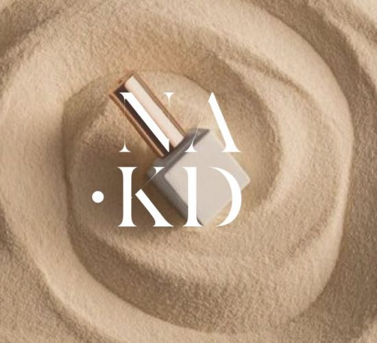 NAKD设计徽标